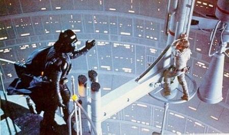 Le cliffhanger traumatisant de L'Empire Contre Attaque. En germe: L'art de l'Œdipe!