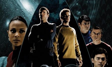 De gauche à droite: Uhura, Spock, Kirk, McCoy, Scottie et Sulu!