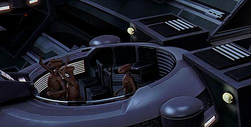 E.T recyclé chez Lucas !