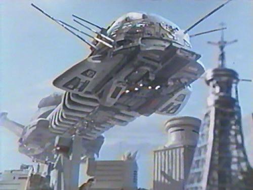 Le vaisseau mère s'apprête à attaquer le QG de l'EDF. Ça va couper