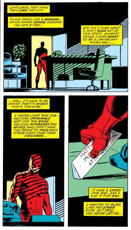 Daredevil vient débarrasser le bureau de Matt Murdock