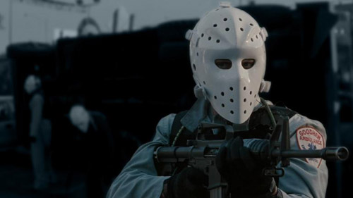 Pour commencer, y'a quand même des masques!