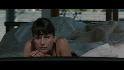Pour Justine (Diane Venora), c'est pas trop l'éclate d'être la femme de Vincent Hanna…
