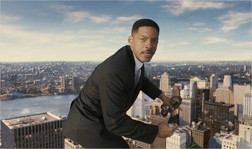 Quand cet insupportable mégalo de Will Smith s'apprête à sauter dans le passé…