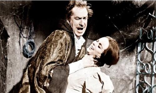 Deux légendes du cinéma fantastiqueen pleine étreinte… mortelle !