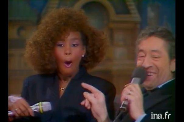 Le petit Lucien dit tout haut ce que tout le monde pense tout bas : Whitney, elle est bonne (enfin chacun ses goûts)....
