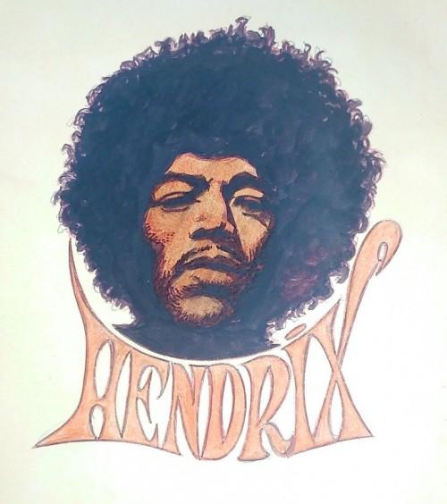 Thomas Frisano se souvient qu'après avoir vu ce dessin de Jimi Hendrix il demanda à son père s'il pouvait le récupérer afin d'en faire un transfert sur un T-shirt. Dommage que le Strange 100 n'ai pas eu la bonne idée de nous offrir un transfert de cette qualité !
