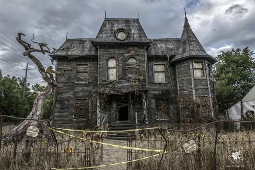 Encore une maison maudite!