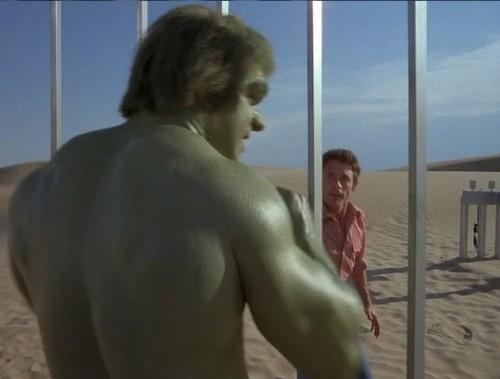 Banner et Hulk seront rarement réunis à l'écran. Dans le deuxième épisode de la série, le show propose des images poétiques pas si éloignées du Wish you were here de Pink Floyd