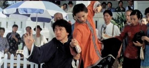 Wong Fei-hung et sa belle-mère (jouée par Anita Mui qui était plus jeune que Jackie)
