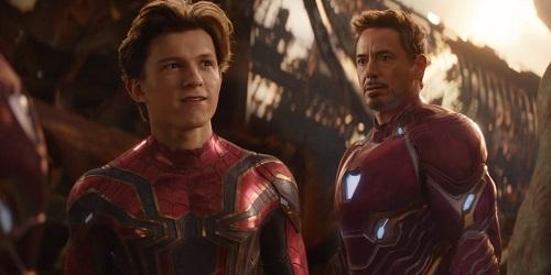 Regarde, Peter fais comme moi, enlève constamment ton masque pour qu'on te reconnaisse dans le film suivant!