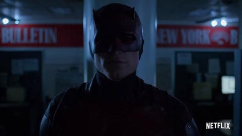 Difficile de retrouver «mon» Daredevil quand c'est Bullseye qui porte le costume rouge (c) Netflix  – source News.com.au https://www.news.com.au/entertainment/tv/tv-shows/how-daredevil-pulled-off-10minute-prison-fight/news-story/b94c437ff4312436efee6650b9115c01