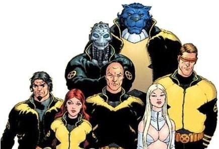 Retour à l'uniforme (plus ou moins). © Marvel Comics
