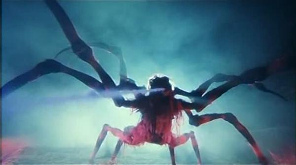 La démone araignée (jouée par Kit Ying Lam) ©HK video source :  tarstarkas.net
