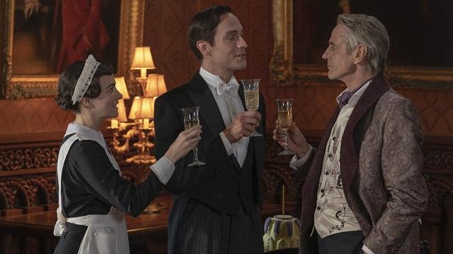 Mais qui sont ces gens ? Nous ne sommes pas dans Downton Abbey pourtant !  HBO Source Quartz.com