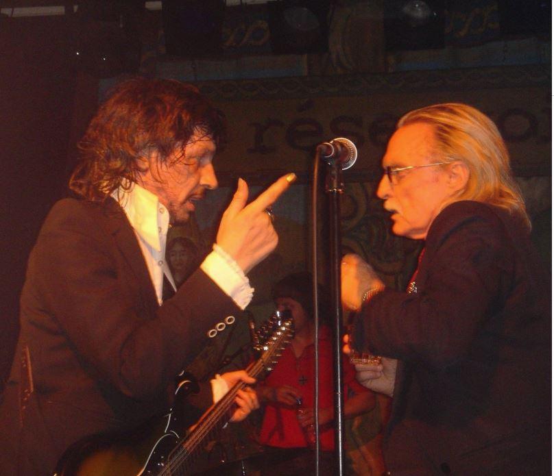 Avec Christophe, sur scène : La ligue des Dandys Extraordinaires !  ©D.R  Avec l'aimable autorisation de Patrick Eudeline.